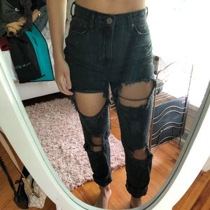 Urban outfitters ripped boyfriend jeans